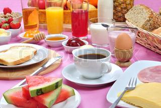 Billede af 'morgenmad, brød, syltetøj'