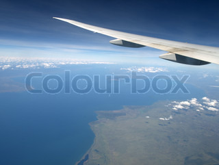 Image of 'airplane, fly, sea'