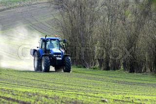 Billede af 'traktor, række, naturen'