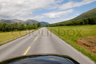 Image of 'norway, road, car'
