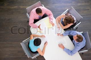 Bild von 'mid adult, junger erwachsener, funktion'