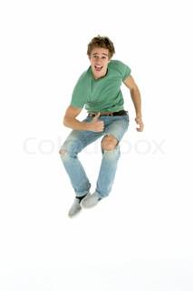 Junger Mann springen Air
