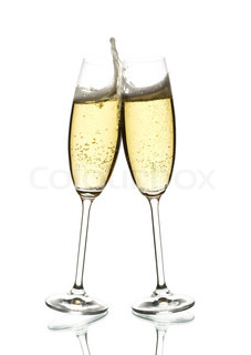 zwei Gläser Sekt, Klirren, weiß