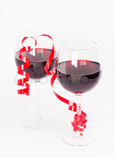 Red wine valentine glasses