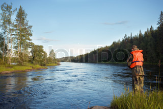 Forellenangeln bei Ruunaa Wandergebiet, Finnland