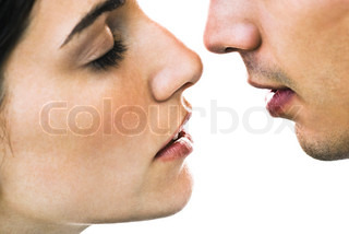 ?Sigrid Olsson/AltoPress/Maxppp ; Couple about to kiss, close-up