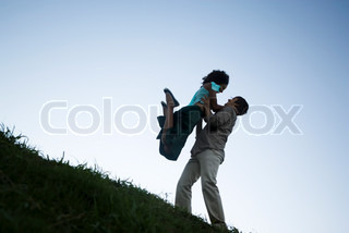 ?Ale Ventura/AltoPress/Maxppp ; Young couple, woman jumping into man's arms