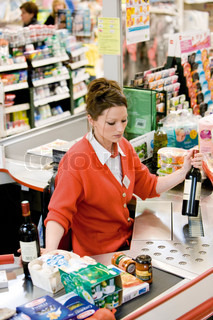 Image of 'supermarket, work, cashier'