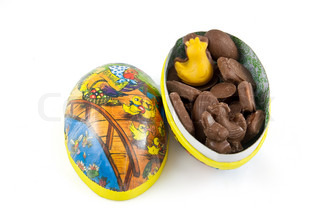 Picture of an easter egg with some yummy easter chocolate