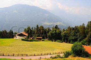 Den lille landsby højt oppe i de italienske alper