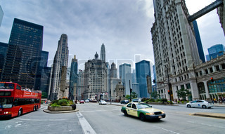 Wide angle shot of a busy main street in downtown Chicago
