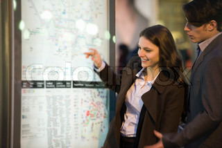 ©Eric Audras/AltoPress/Maxppp ; Couple looking at subway map