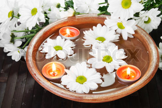 White Flowers Aroma Bowl with Candles Spa