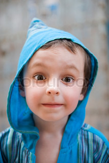 ©Jérôme Gorin/AltoPress/Maxppp ; Little boy looking at camera with surprised expression, portrait