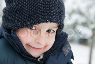 ©Jérôme Gorin/AltoPress/Maxppp ; Boy in winter clothing, portrait
