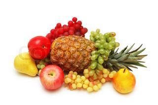 verschiedene Früchte auf dem weißen Hintergrund isoliert