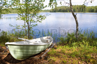 Rowboat stranded am See