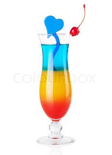 Cocktail samling - Tre lag tropisk cocktail med blå hjerte dekoration isoleret på hvid baggrund