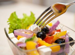 Plader af sunde græsk salat