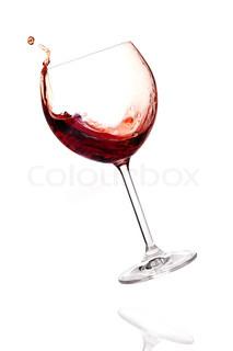 Vin samling - Rødvin med at falde i glas isoleret på hvid baggrund