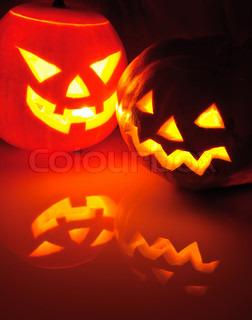 Glowing græskar med et lys indeni Dekorationer til Halloween