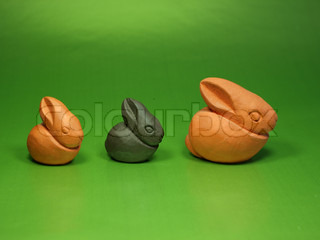 Decorative ceramic easter bunnies in two colours