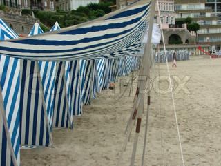 Badning telte på Dinard -stranden