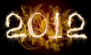 Datum New Year 2012 oder Apokalypse , von Foto funkeln Bengal light on fire eruptionbackground , Collage der Figur
