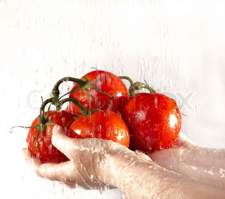 Before meal it is necessary to wash vegetables in flowing water