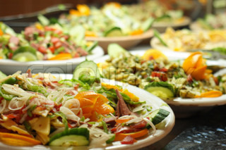 Gourmet-Essen mit Gemüse Obst und Fleisch