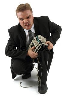 Manager und kaputte Tastatur auf dem weißen Hintergrund isoliert