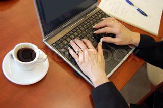 Arbeitsplatz-Tabelle der Geschäftsstelle