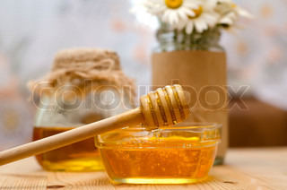 Image of 'honey, glass, remedy'