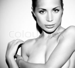 Black and white glamor female portrait, beautiful girl face, sexy model closeup, glamorous woman, fashion and beauty concept