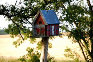 Little Red Bird House / Mini Timber-Framed House