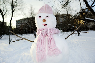 An image of perfect snowman in pink