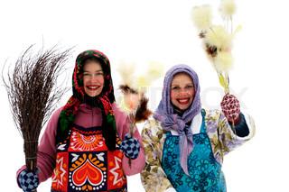 glückliche junge Ostern Hexen isoliert auf weiss