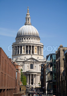 London - st. Pauls cathedral and street