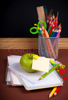 back to school - speech bubble with pencil icon
