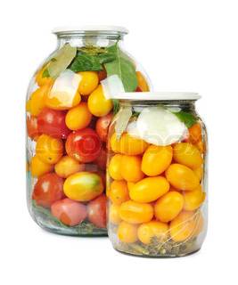 Preserved red and yellow tomatoes