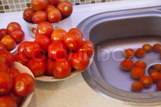 wet tomatoes for pasteurization
