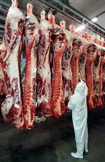 Image of 'working, workers, slaughterhouse'