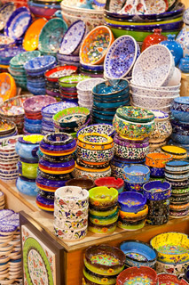 The colourful market in the turkish city of istanbul with for Arts and crafts industry