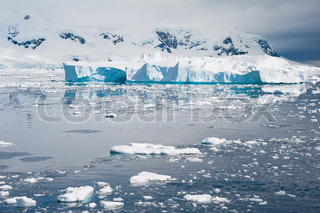Deffirent forms of icebergs, Antarctica