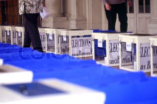 The 2002 presidential election (ballot boxes)