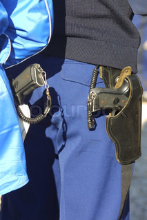 Image of 'gendarme, pistolet, weapon'