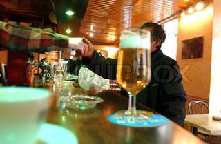 Billede af 'drikkevarer, glasur, Verre glas'