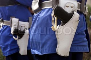 Image of 'transport, gendarme, weapon'