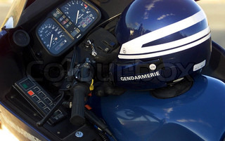 Image of 'safety, safety helmets, gendarmerie'