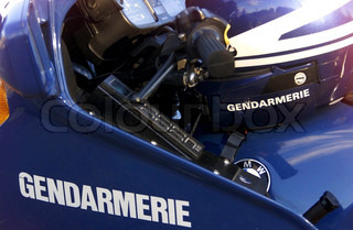 Image of 'gendarme, moto, safety'